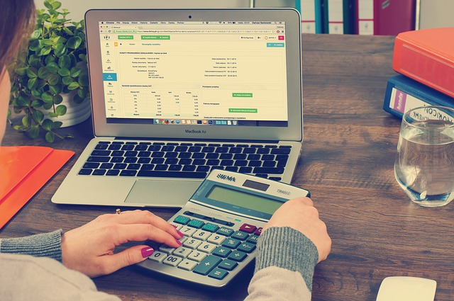 What does a Bookkeeper do? All Your Questions Answered